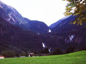 Uitzicht op de Krimmler Wasserfälle